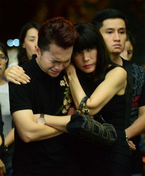 Sao Việt oà khóc nức nở tại lễ viếng NSƯT Quang Lý - 3