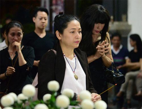 Sao Việt oà khóc nức nở tại lễ viếng NSƯT Quang Lý - 5