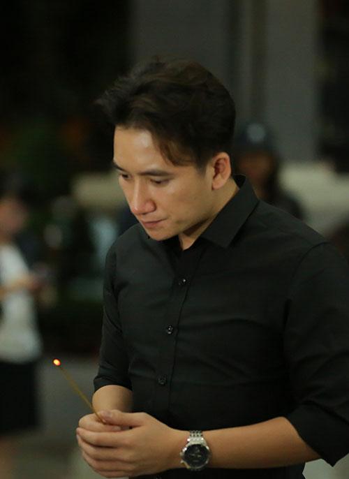 Sao Việt oà khóc nức nở tại lễ viếng NSƯT Quang Lý - 6