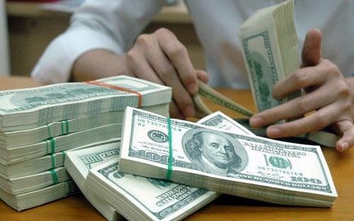 Giá đôla Mỹ đồng loạt leo dốc - 1