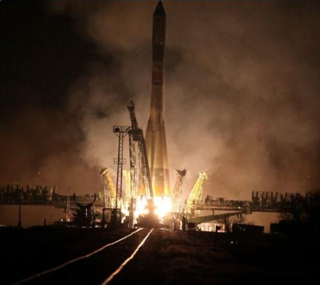 Tàu vũ trụ chở hàng Nga nổ tung vài phút sau cất cánh - 1