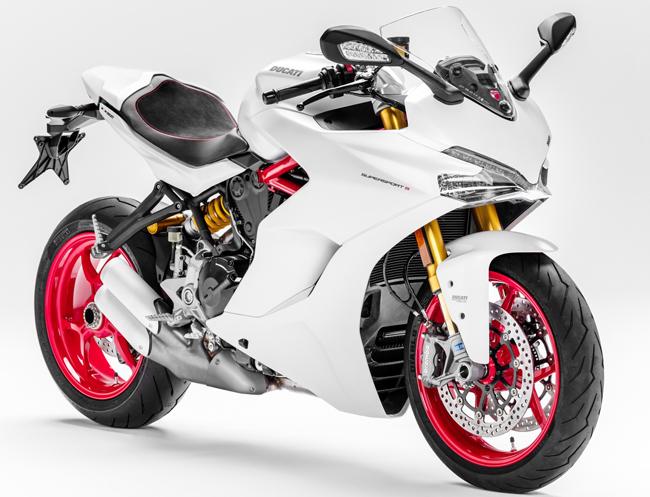 """Chiếc mô tô sang chảnh Ducati Supersport 2017 được bình chọn là """"chiếc xe đẹp nhất"""" tại triển lãm EICMA 2016 vừa diễn ra tại Milan, Ý."""