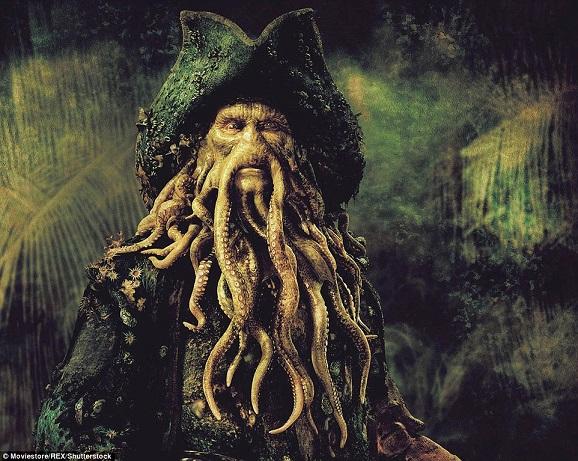 """Con sứa kinh dị trông như """"ác mộng"""" dạt bờ biển Scotland - 2"""