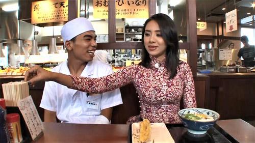 Miko Lan Trinh tiếp sức du học sinh Việt Nam tại Nhật Bản - 4