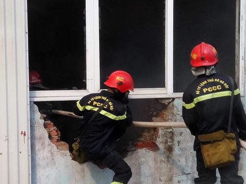 Hà Nội: Cháy dữ dội ở KCN Ngọc Hồi - 4