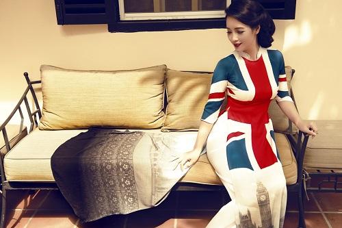 Mai Thu Huyền gây ấn tượng với áo dài họa tiết di sản - 2