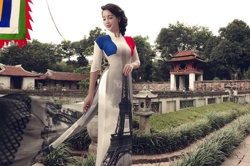 Mai Thu Huyền gây ấn tượng với áo dài họa tiết di sản - 4