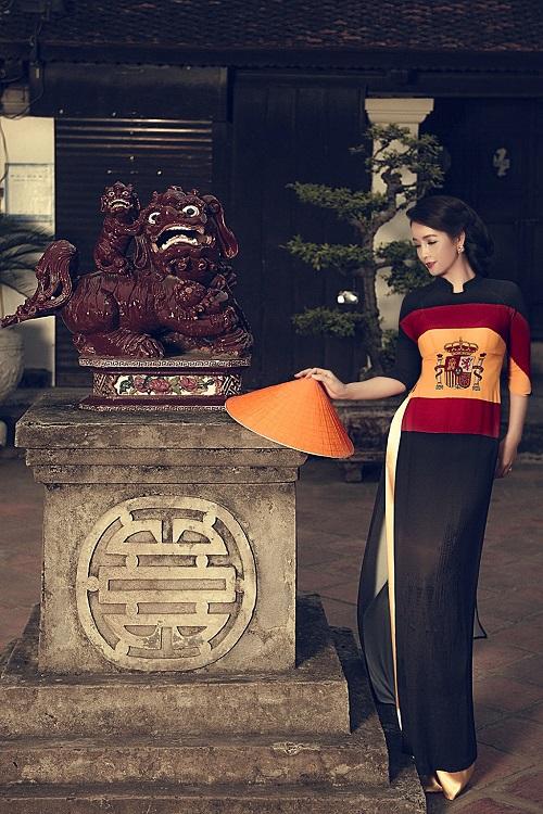 Mai Thu Huyền gây ấn tượng với áo dài họa tiết di sản - 7