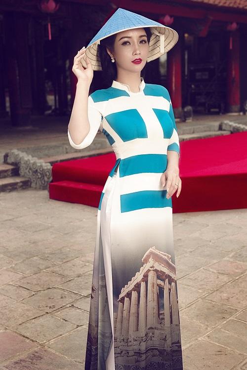 Mai Thu Huyền gây ấn tượng với áo dài họa tiết di sản - 9