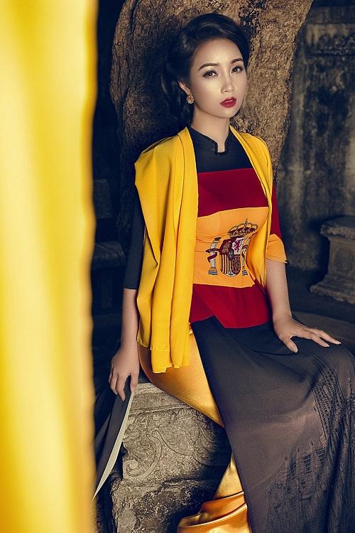 Mai Thu Huyền gây ấn tượng với áo dài họa tiết di sản - 10