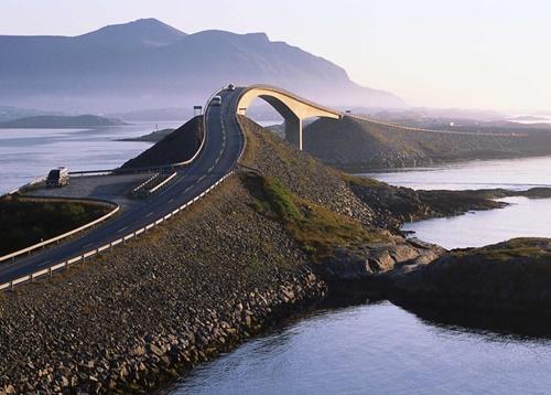"""15 cây cầu """"điên rồ"""" và đáng sợ nhất thế giới (P.1) - 2"""