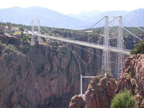 """15 cây cầu """"điên rồ"""" và đáng sợ nhất thế giới (P.1) - 6"""