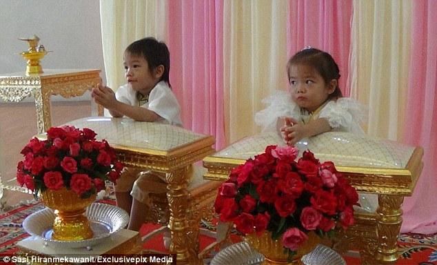 Cặp sinh đôi 3 tuổi cưới nhau vì là tình nhân kiếp trước?! - 1