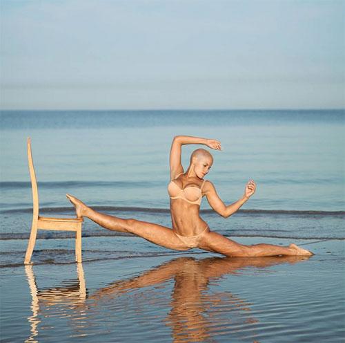 Mẹ 3 con khoe thế Yoga như cao thủ Thiếu Lâm - 3