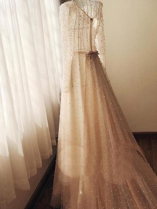 """""""Lóa mắt"""" với váy cưới 100 triệu của MC VTV - 1"""