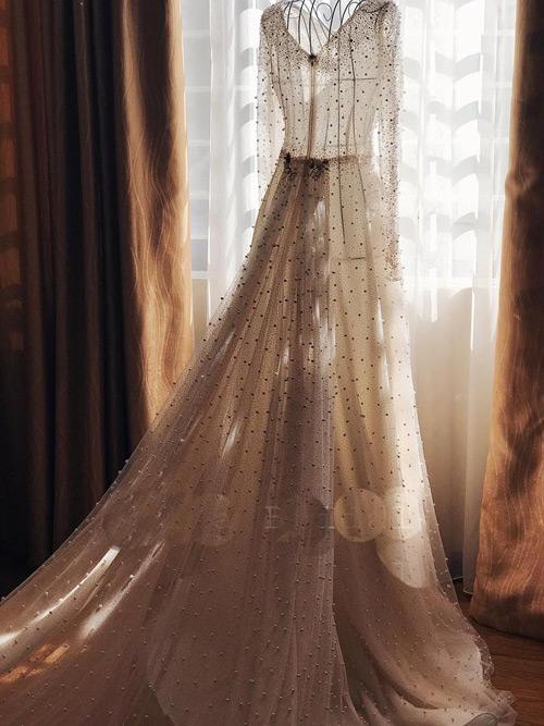 """""""Lóa mắt"""" với váy cưới 100 triệu của MC VTV - 4"""