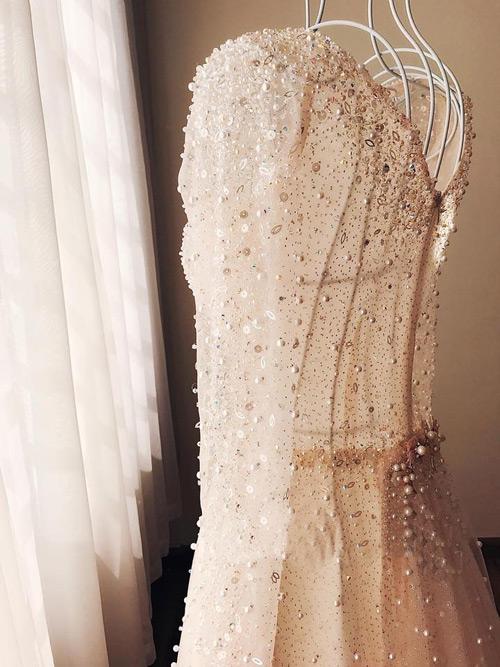 """""""Lóa mắt"""" với váy cưới 100 triệu của MC VTV - 3"""