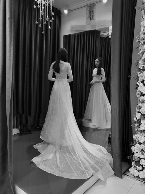 """""""Lóa mắt"""" với váy cưới 100 triệu của MC VTV - 5"""