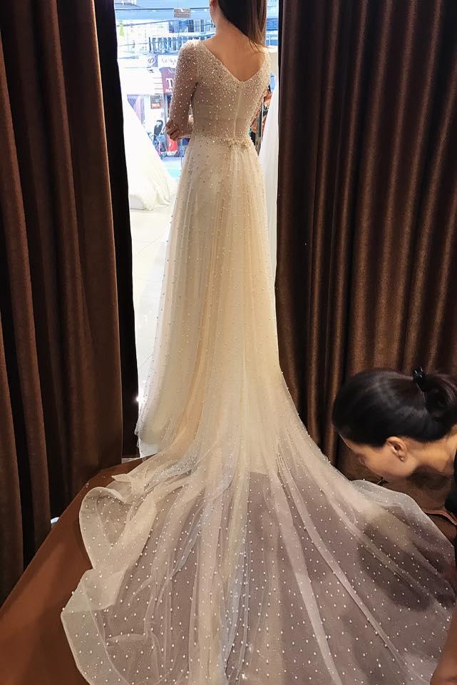 """""""Lóa mắt"""" với váy cưới 100 triệu của MC VTV - 7"""