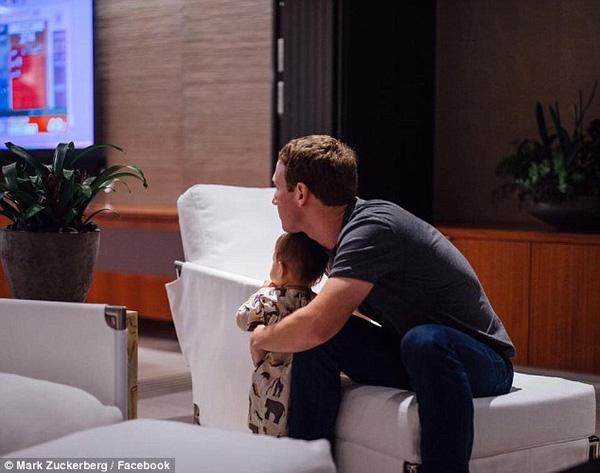 Ngưỡng mộ cách ông chủ Facebook chăm con - 9