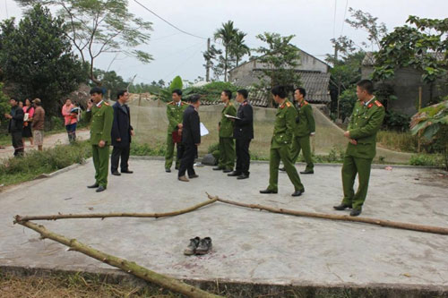 Phút đấu trí nghẹt thở tước vũ khí nghi phạm thảm án Hà Giang - 1