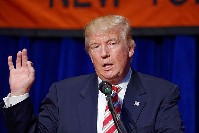 Donald Trump: Tổng thống là công việc lớn hơn tôi tưởng - 1