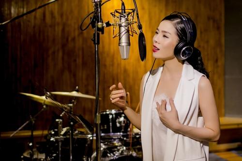 Lệ Quyên rơi nước mắt khi thu âm nhạc Lam Phương - 2