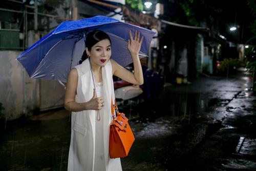 Lệ Quyên rơi nước mắt khi thu âm nhạc Lam Phương - 1