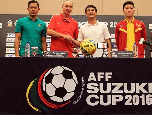 Bán kết AFF Cup: Riedl nổi giận, Hữu Thắng bản lĩnh - 9