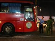 Nhóm giang hồ chặn xe khách, hăm dọa tài xế