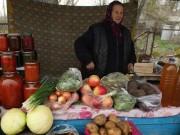 Kiếm bộn tiền nhờ bán hoa quả nhiễm xạ từ Chernobyl