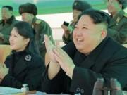 "Vợ Kim Jong-un xuất hiện sau 9 tháng ""biến mất"" bí ẩn"