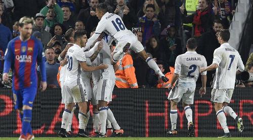 Real bất bại 33 trận, Zidane chờ phá kỷ lục 28 năm - 1