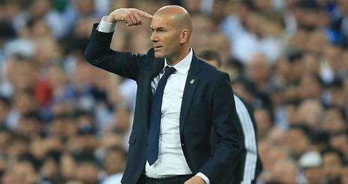 Real bất bại 33 trận, Zidane chờ phá kỷ lục 28 năm - 2