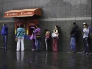 Venezuela: Đi tới 6 cây ATM mới rút được 30.000 đồng