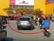 Cảnh sát truy tìm Mazda CX-5 lạng lách, tông người đi xe máy