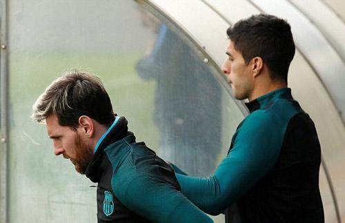 """CĐV bầu chọn QBV: Ronaldo """"đè bẹp"""" Messi - 4"""