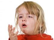 """Thời tiết nóng lạnh thất thường, mẹ lo """"sốt vó"""" phòng bệnh hen cho trẻ"""