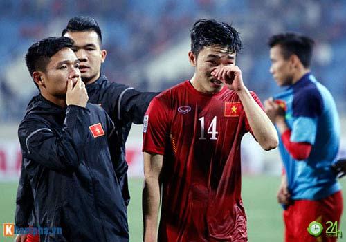 Fan ĐTVN tức vì trọng tài Trung Quốc, báo Thái cảm thông - 2