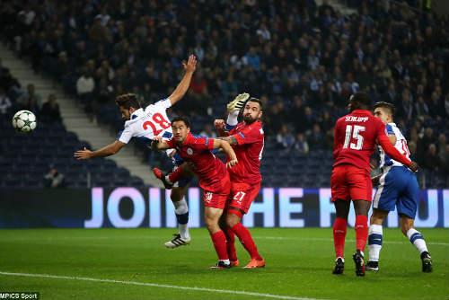 Porto - Leicester: Tan nát 5 bàn thua - 1