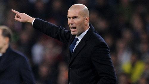Real lập kỷ lục bất bại, Zidane vẫn giận dữ - 1