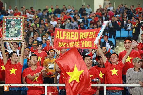 Việt Nam - Indonesia: Fan hừng hực trước trận, hụt hẫng sau trận - 10