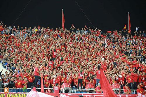 Việt Nam - Indonesia: Fan hừng hực trước trận, hụt hẫng sau trận - 11