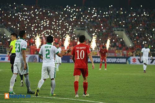 Việt Nam - Indonesia: Fan hừng hực trước trận, hụt hẫng sau trận - 12