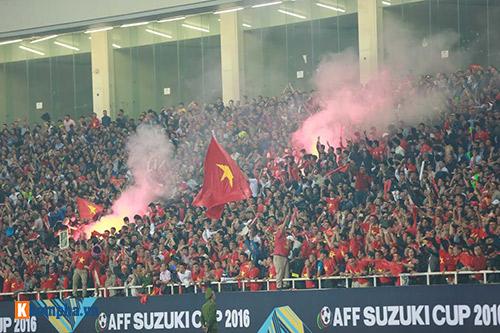 Việt Nam - Indonesia: Fan hừng hực trước trận, hụt hẫng sau trận - 13