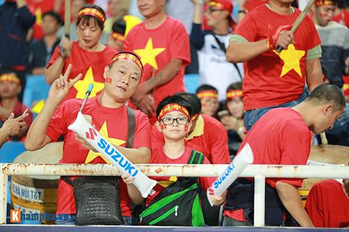 Việt Nam - Indonesia: Fan hừng hực trước trận, hụt hẫng sau trận - 6