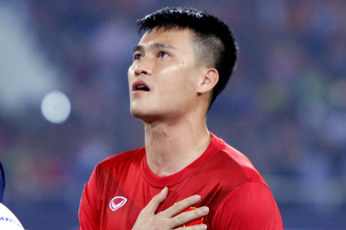 Đội trưởng Công Vinh có nên khóc khi bóng chưa lăn? - 2