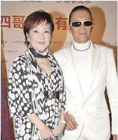 Bố 80 tuổi của Tạ Đình Phong phủ nhận bạn gái có bầu - 3