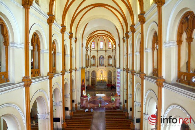 """Bất ngờ với những """"bí mật"""" trong nhà thờ Đức Bà TP.HCM - 2"""