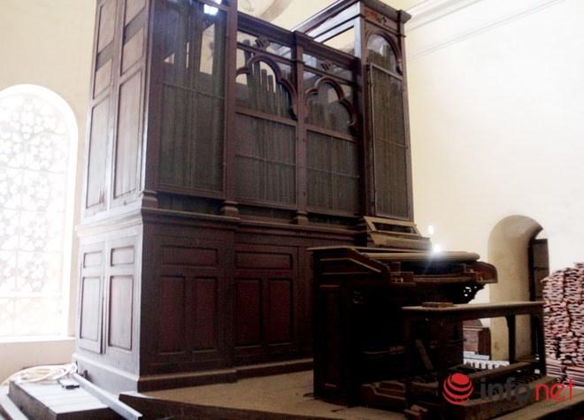"""Bất ngờ với những """"bí mật"""" trong nhà thờ Đức Bà TP.HCM - 8"""